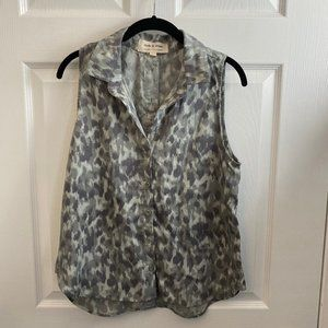 NWOT Cloth & Stone Green Abstract Print Top. Sm